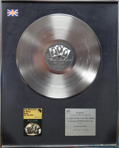 Paul McCartney and Wings Band On The Run - BPI Certified Platinum Award award disc UK MCCAWBA338510