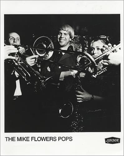The Mike Flowers Pops A Groovy Place 1996 UK photograph PUBLICITY PHOTO