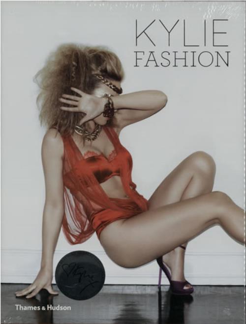 Kylie Minogue Kylie  Fashion 2012 UK book 9780500516652