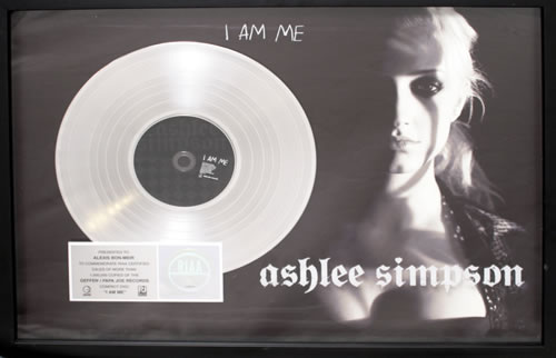 Ashlee Simpson I Am Me award disc US AHEAWIA558287