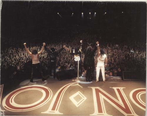 Bon Jovi The Jersey Syndicate Tour - Motorcycle Cover + Merchandise insert tour programme UK BONTRTH694045