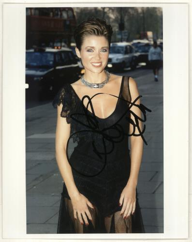 Dannii Minogue Signed Photograph photograph UK DANPHSI717701
