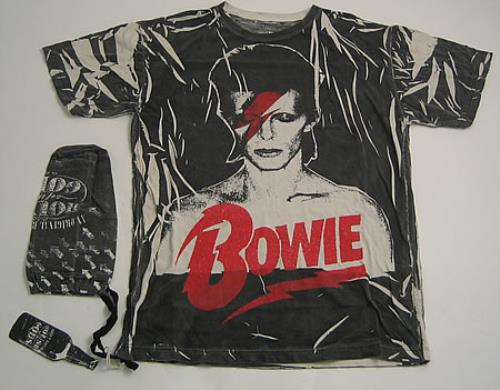 3b7a6b5a95ff DAVID BOWIE Aladdin Sane T-Shirt - Large (2007 UK Officially Licensed  limited edition 100% cotton 'aged' black short sleeved t-shirt with a ...