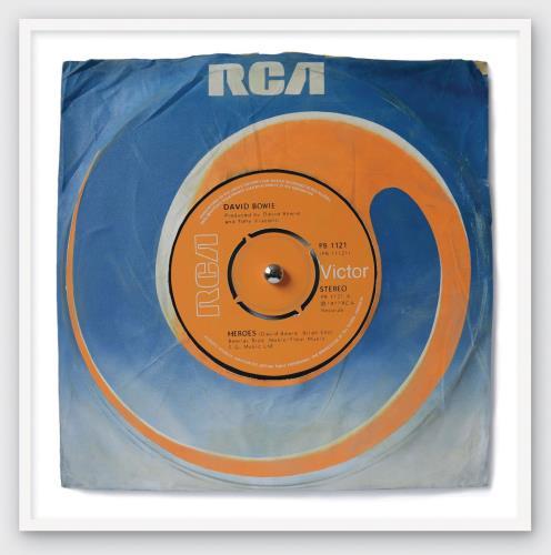 David Bowie Heroes - SuperSizeArt Oversize Framed Print artwork UK BOWARHE733225