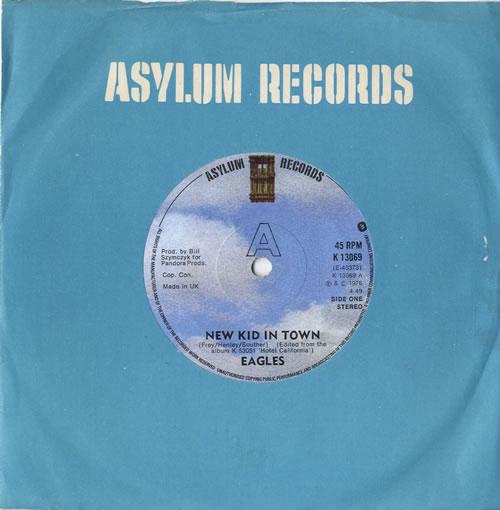 "Eagles New Kid In Town - Solid 7"" vinyl single (7 inch record) UK EAG07NE565671"