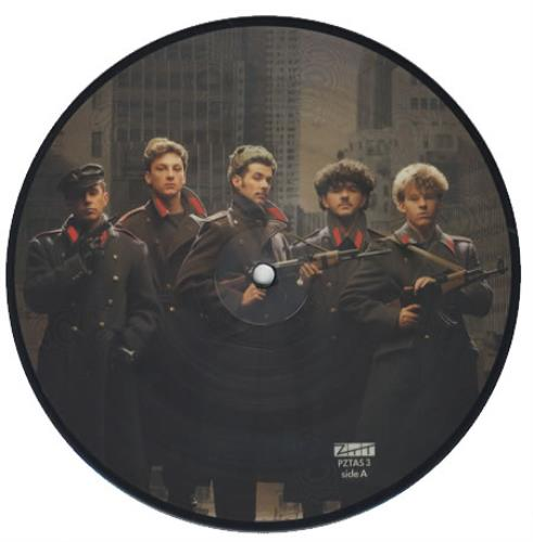 """Frankie Goes To Hollywood Two Tribes 7"""" vinyl picture disc 7 inch picture disc single UK FGT7PTW06588"""
