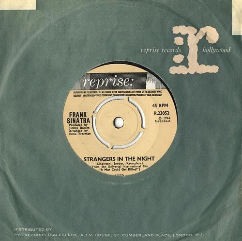 "Frank Sinatra Strangers In The Night - 4pr 7"" vinyl single (7 inch record) UK FRS07ST555761"