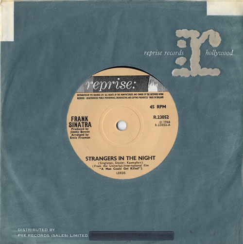 """Frank Sinatra Strangers In The Night - solid 7"""" vinyl single (7 inch record) UK FRS07ST604197"""