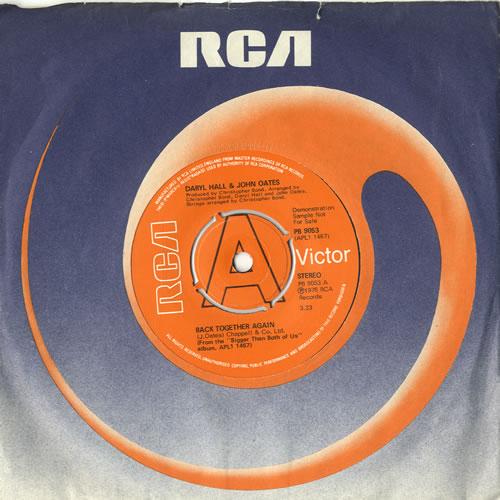 "Hall & Oates Back Together Again 7"" vinyl single (7 inch record) UK HNO07BA599339"