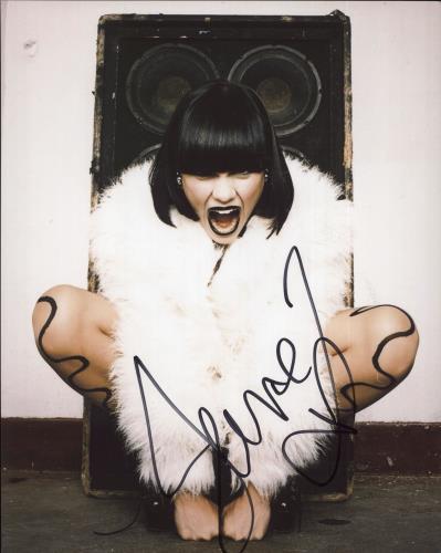 Jessie J Signed Photograph photograph UK J5SPHSI717683
