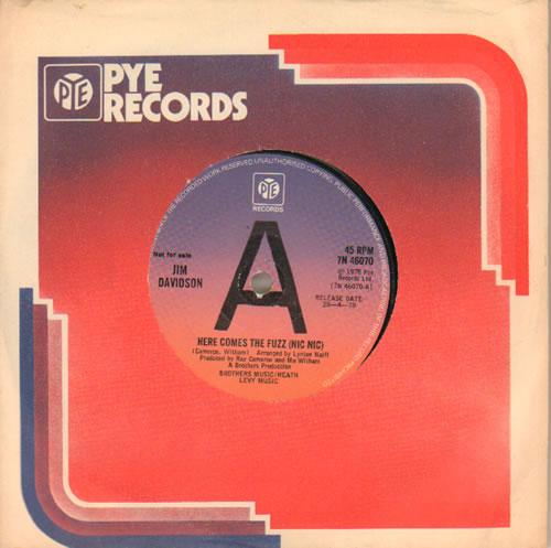 "Jim Davidson Here Comes The Fuzz (Nic Nic) 7"" vinyl single (7 inch record) UK VID07HE642258"