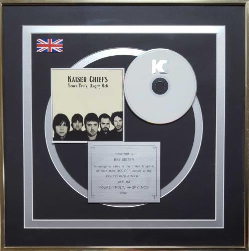 Kaiser Chiefs Yours Truly, Angry Mob award disc UK KAZAWYO670361