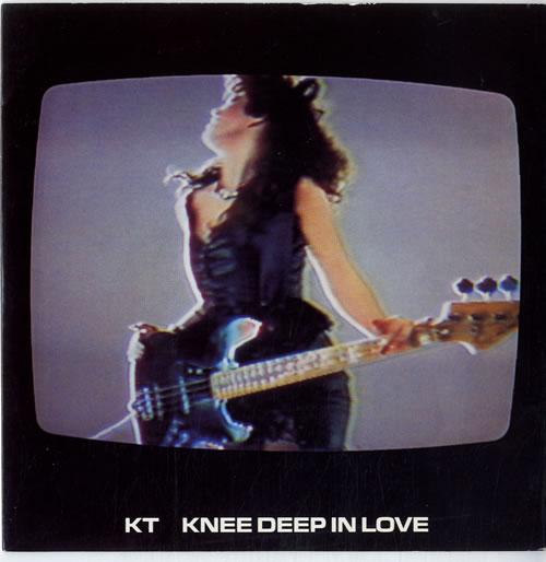"""KT Knee Deep In Love 7"""" vinyl single (7 inch record) UK K0A07KN615003"""
