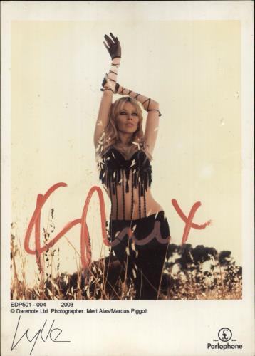 Kylie Minogue Autographed Photograph memorabilia UK KYLMMAU715543
