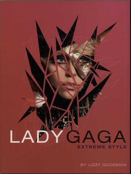 Lady Gaga Extreme Style book UK LGQBKEX629453