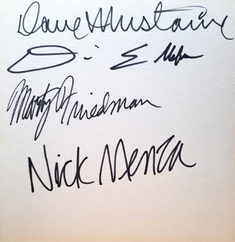 Megadeth Signed Card memorabilia Japanese MEGMMSI631146