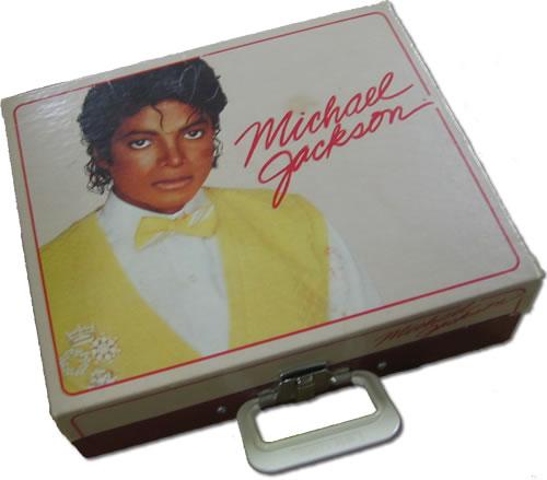Michael Jackson Record Player + Microphone memorabilia US M-JMMRE356744