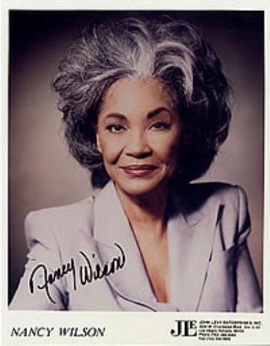 Nancy Wilson (Jazz) Autographed Colour Portrait Photograph photograph US NWLPHAU268951