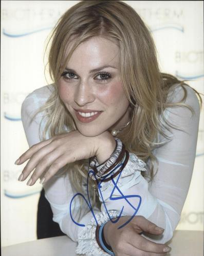 Natasha Bedingfield Autographed Photo photograph UK NBDPHAU721738