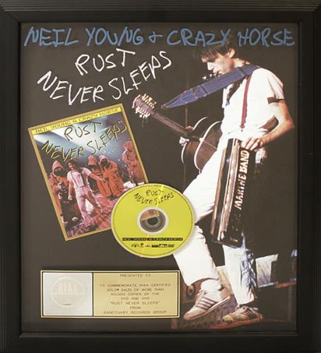 Neil Young Rust Never Sleeps award disc US YOUAWRU498927