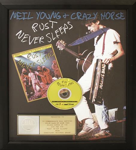 Neil Young Rust Never Sleeps award disc US YOUAWRU498927