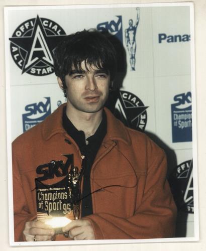 Noel Gallagher Autographed Photograph photograph UK NGLPHAU734384