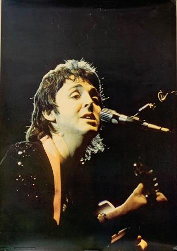 Paul McCartney and Wings Paul McCartney Onstage poster French MCCPOPA726378