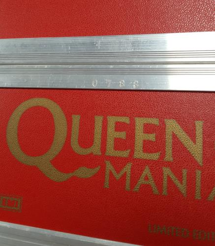 Queen Queen Mania + Extra CD's box set UK QUEBXQU605500