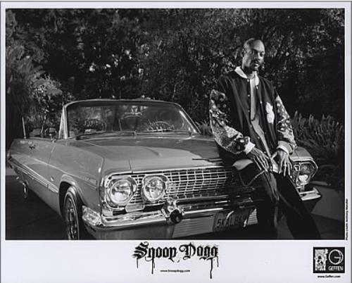 "SNOOP DOGG Tha Blue Carpet Treatment (2006 US promotional press pack which features 1-page press release, 3-page biography + 8"" x 10"" black and white ..."