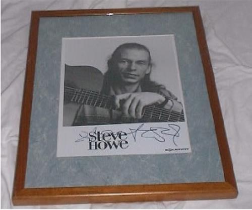 Steve Howe Signed Photo photograph US SVHPHSI185640