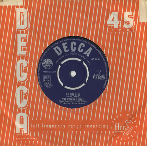 "The Vernons Girls Do The Bird 7"" vinyl single (7 inch record) UK VRG07DO474571"