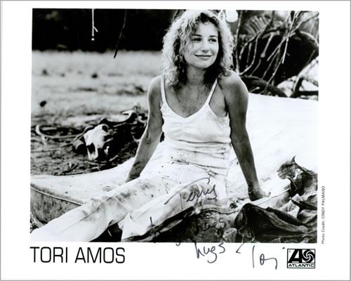 Tori Amos Publicity Photograph - Autographed photograph US TORPHPU459636