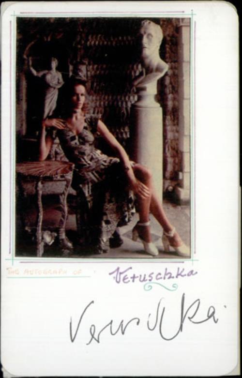 Veruschka Signed Autograph Card memorabilia UK VEWMMSI526582
